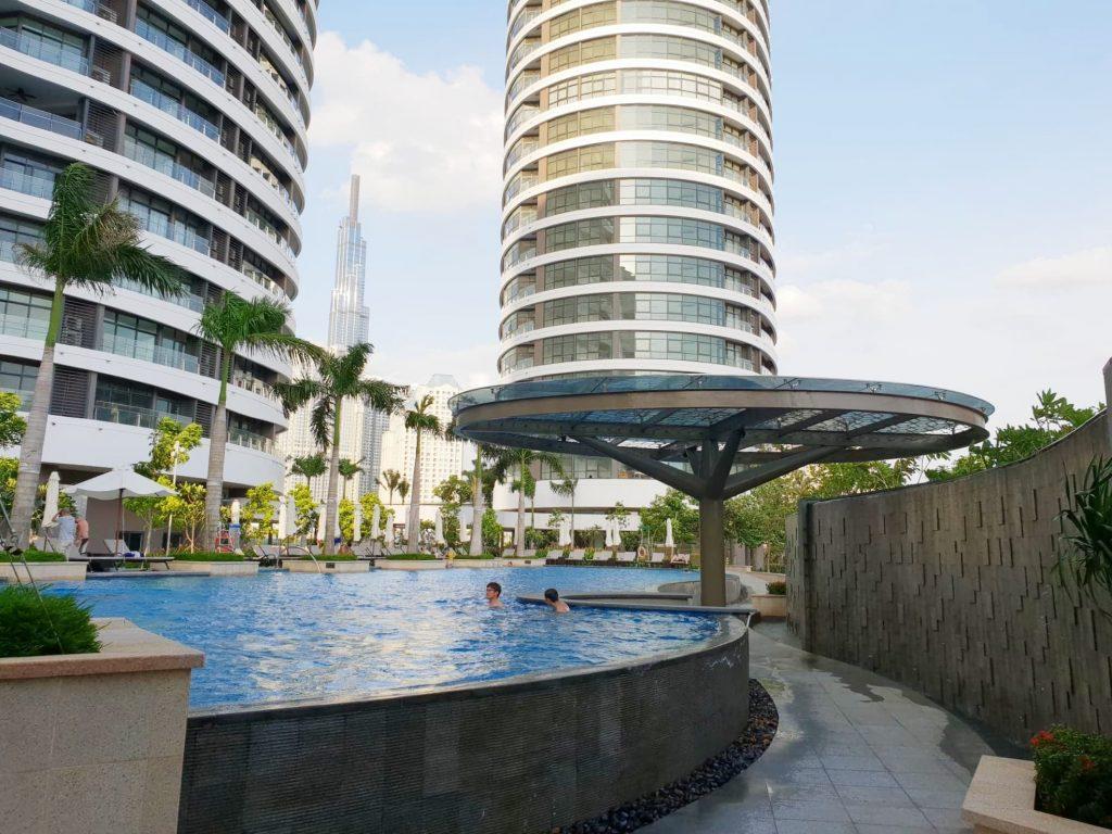 city-garden-poolside