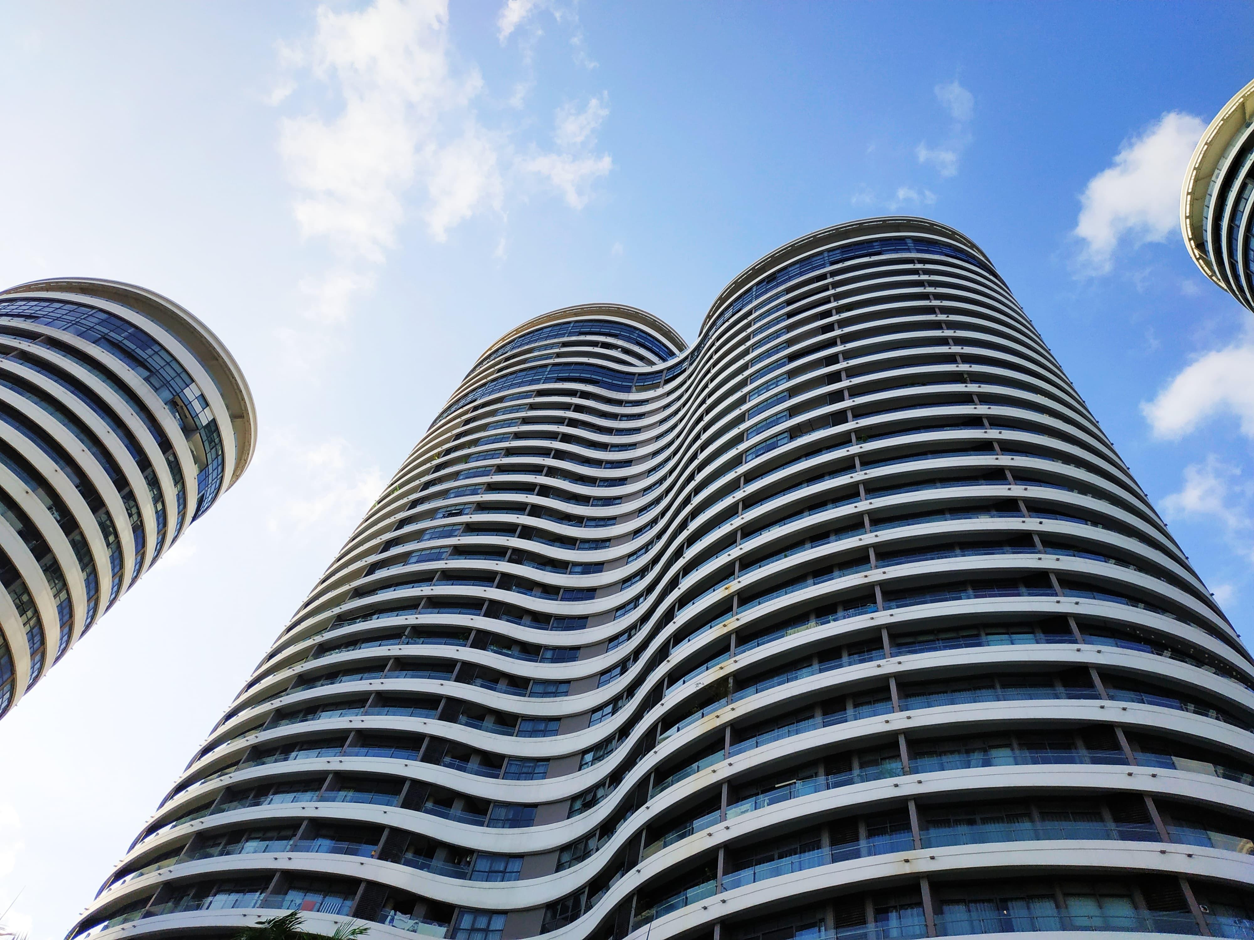 city-garden-buildings
