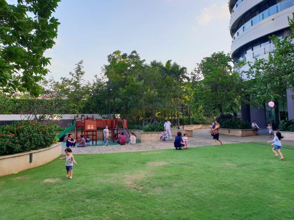city-garden-playground